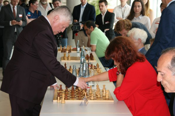 Schach in der Ping-Pong-Tradition